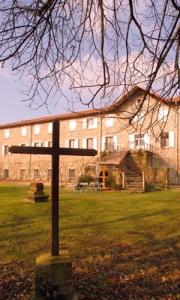 Façade de la Maison daccueils où sont donnés les'Exericices Spirituels de St Ignace