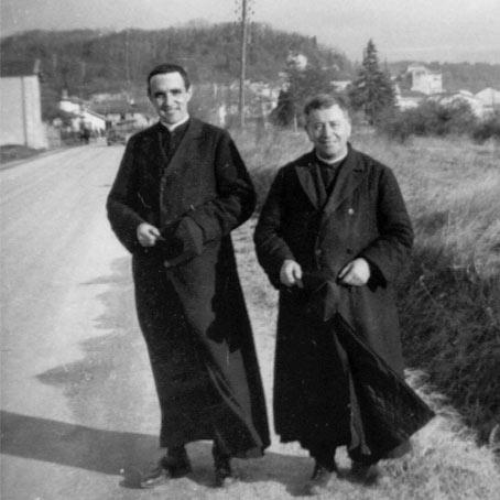 Père vallet sur la route qui mène de Nazareth à Chabeuil