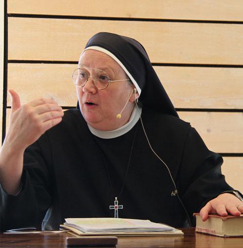 les Soeurs assurent également les prédications de retraites et diverses récollections en paroisse.s