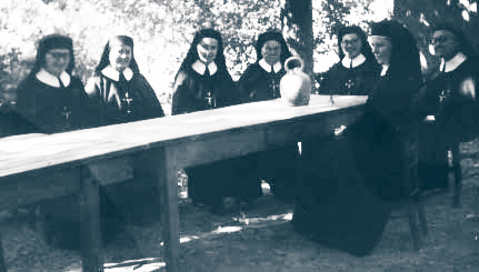 Soeurs Coopératrices au service des maisons spirituelles où sont données les Exercices de St Ignace