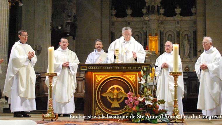 Eucharistie à la basilique Ste Anne d'Auray, lors du Congrès CPCR